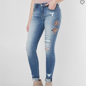 New, without tags KanCan jeans